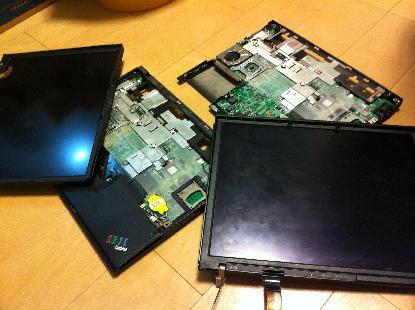 LCDを外したThinkPadが2台